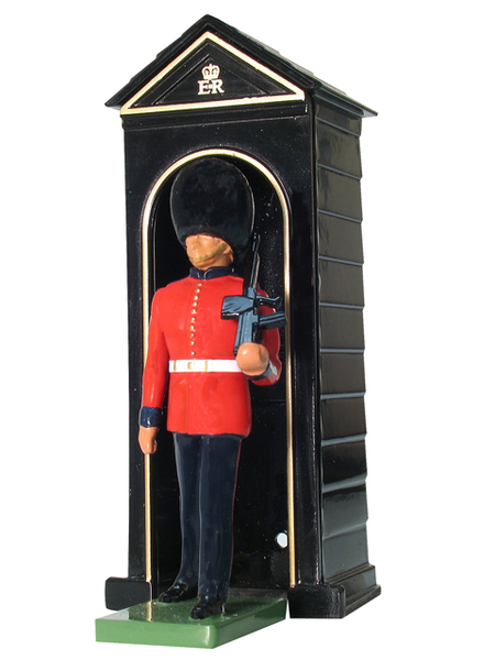 00089 - Sentry Box and Scots Guard