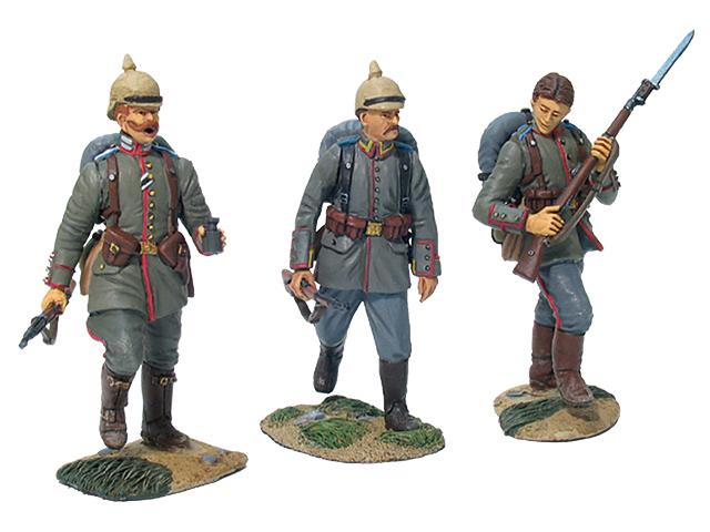 17655 - German 84th Infanterie Regiment von Manstein Advancing Command Set