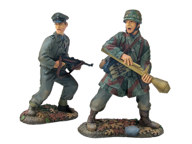 17657 - German Kampfgruppe,17th Waffen SS and 3rd Fallschirmjaeger Division Panzerfaust Team