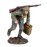 More about the '23089 - 1916-18 German Infantry Advancing with Ammo Box No.1' product