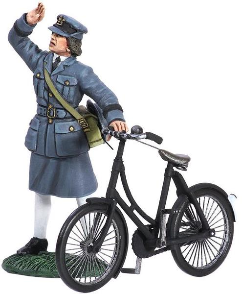 25018 - RAF Commemorative Set - WAAF with Bicycle, 1943