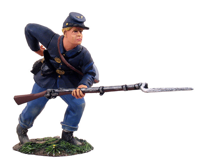 31028 - Union Infantry Standing Reaching for Cartridge No.1