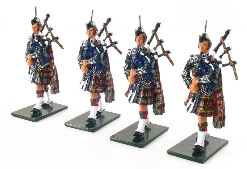 48005 - The Pipes and Drums of 1st Bn. Queen's Own Cameron Highlanders (79th), Piper Add-on Set