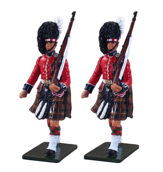 48007 - 1st Bn. Queen's Own Cameron Highlanders (79th), Escort to the Colours