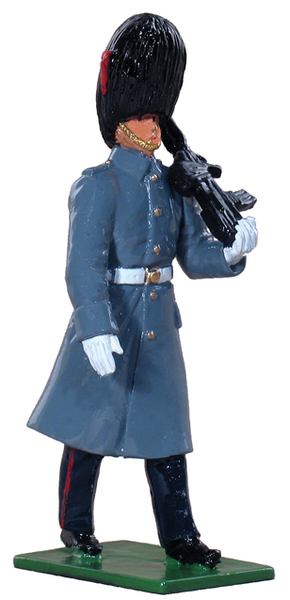 48500 - Coldstream Guard Marching in Overcoat