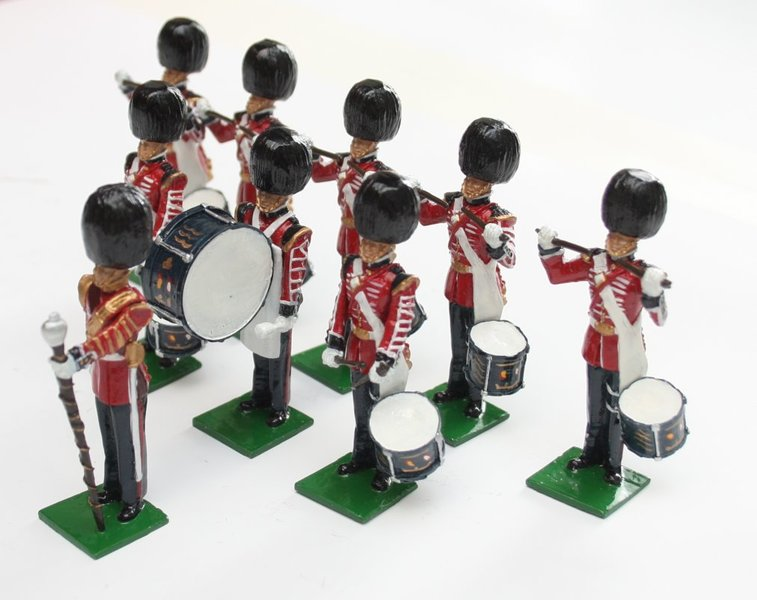 Scots Guards Drum Corps, standing - BTSC-SET115